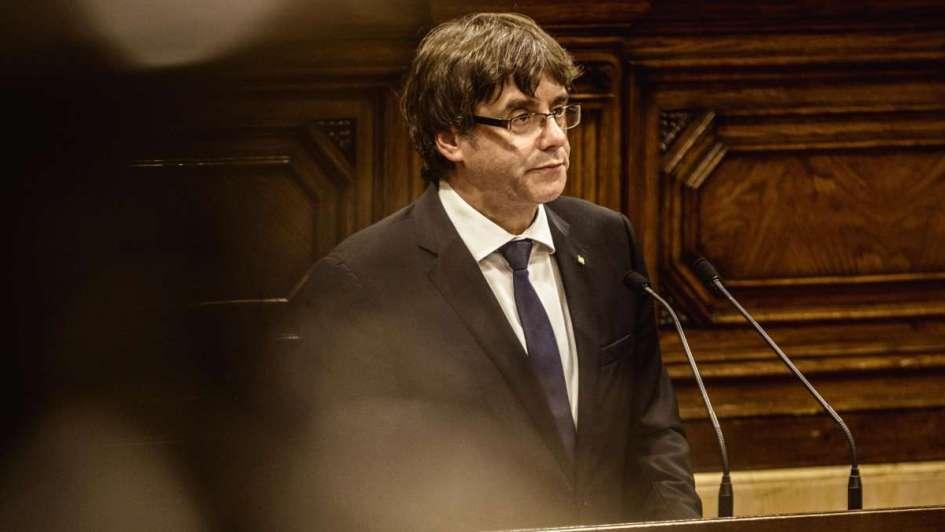 España pide a Cataluña que aclare si declaró la independencia