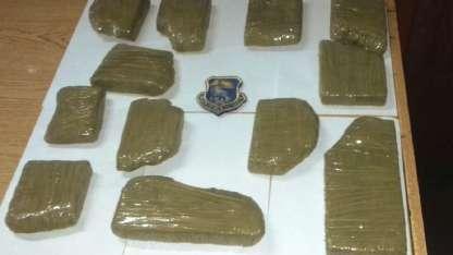 La droga fue encontrada en el baúl de un Corsa.