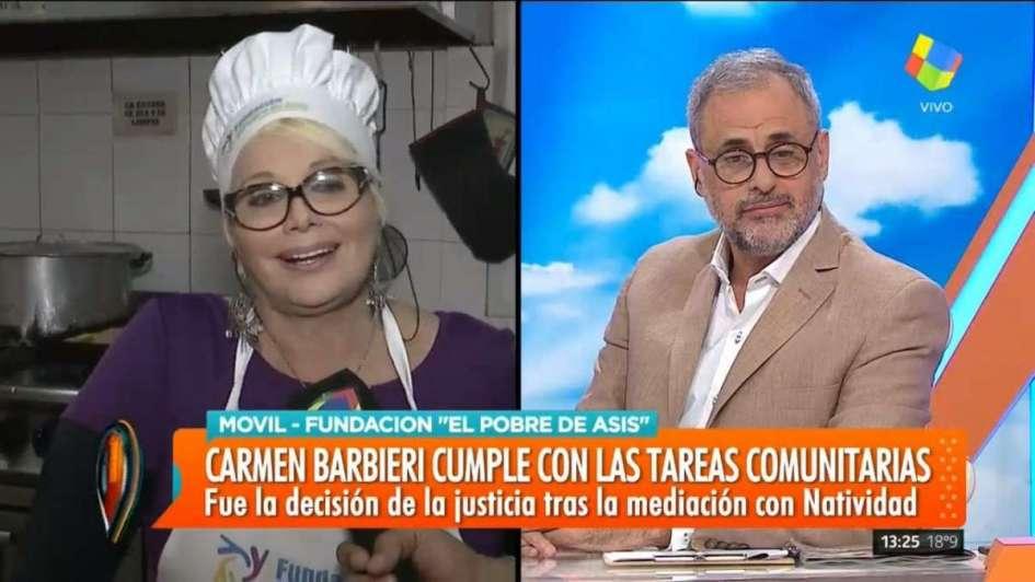 Carmen Barbieri cumple su probation en un comedor