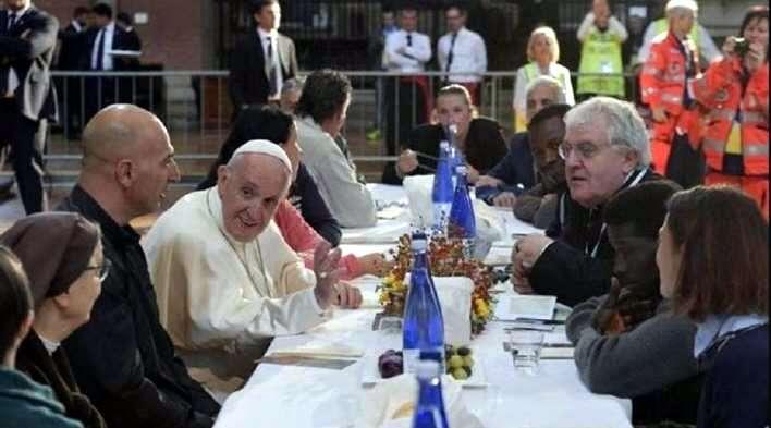 Dos presos almorzaron con el Papa y luego se fugaron