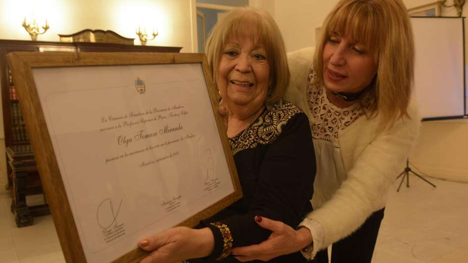 Premio para Olga Miranda, la profe de música que dejó huella en cientos de chicos