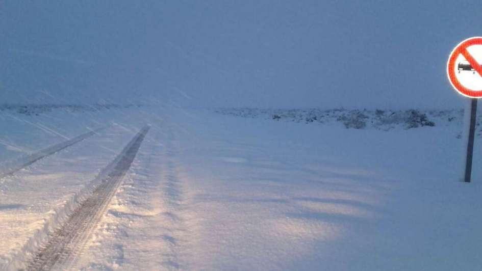 De a poco se restablece el tránsito en algunas rutas cortadas por nevadas en Mendoza