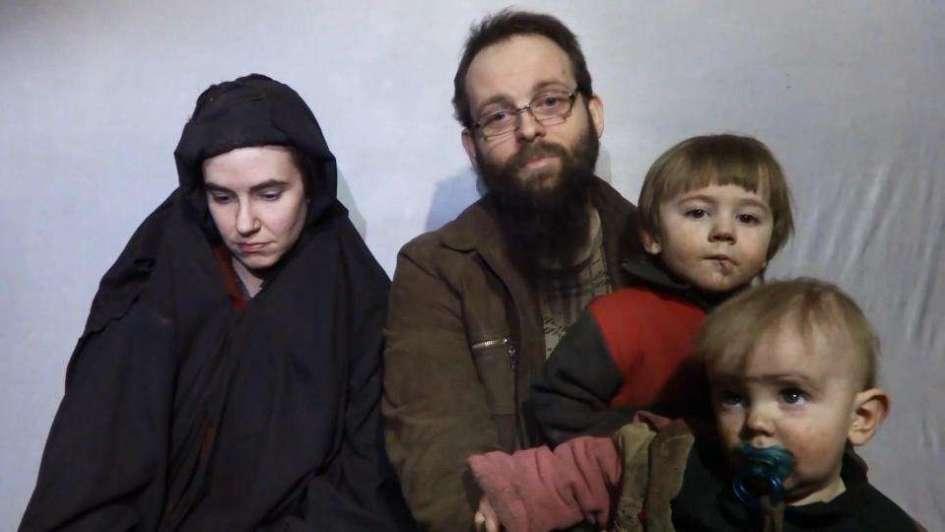 Liberan a familia norteamericana que estuvo 5 años como rehenes del talibán