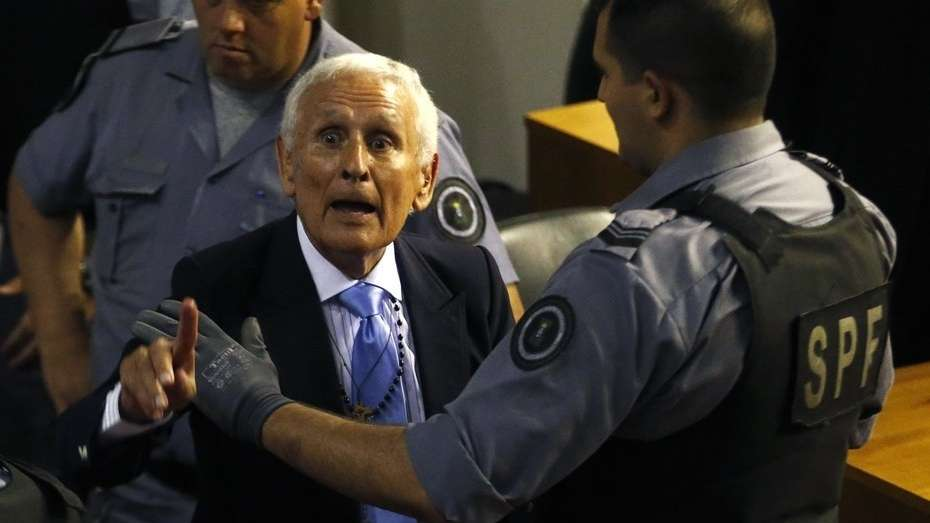 En medio de reclamos a los gritos, Etchecolatz comenzó a enfrentar un nuevo juicio