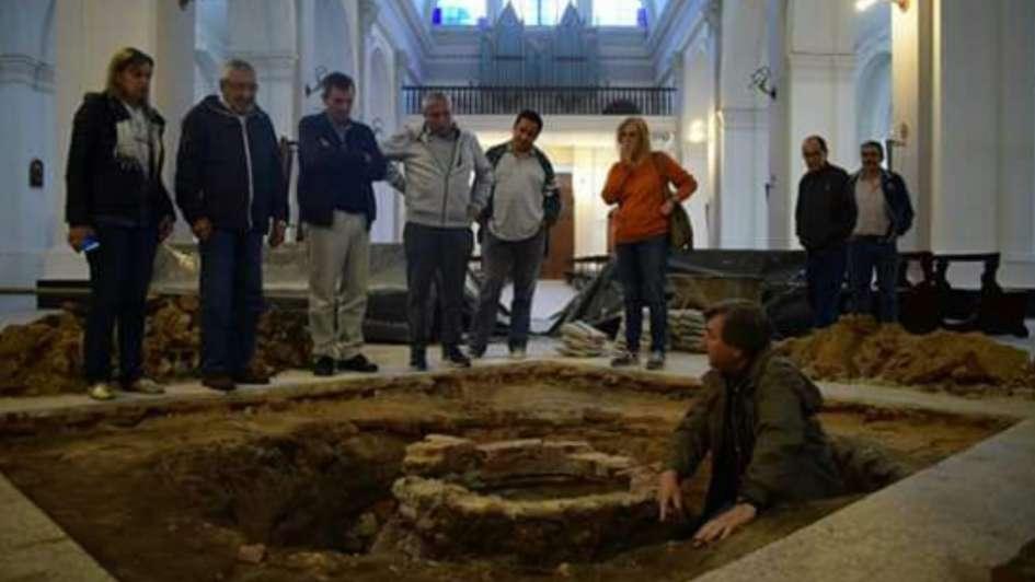 Tras un socavón hubo un sorprendente hallazgo en la Catedral de Goya