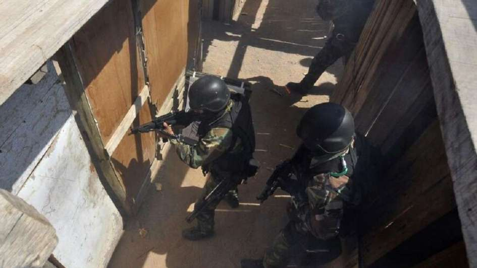 Amenazó con una granada a los policías que iban a buscarlo en el barrio San Martín