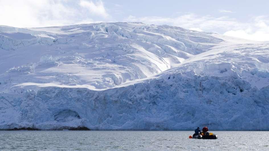 El escritor en el desierto de cristal: un libro sobre la Antártida.