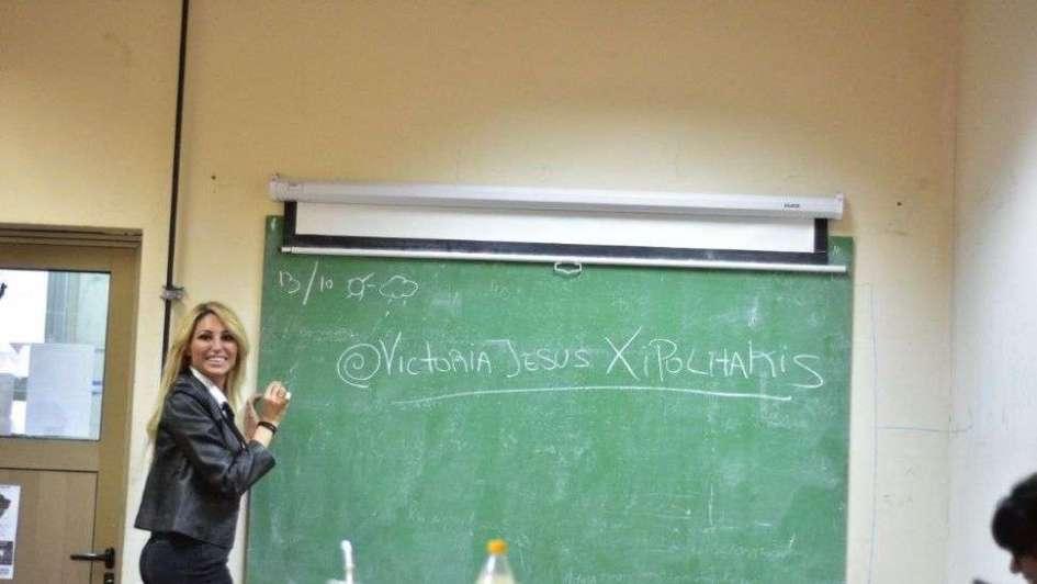 Cátedra de mediática: Vicky Xipolitakis dio una clase en la UBA