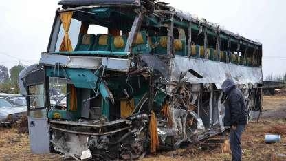 Así quedó el ómnibus siniestrado en la ruta 144.