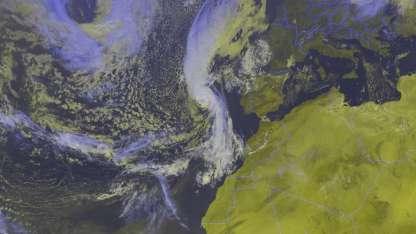 Imagen satelital del desplazamiento de Ofelia.