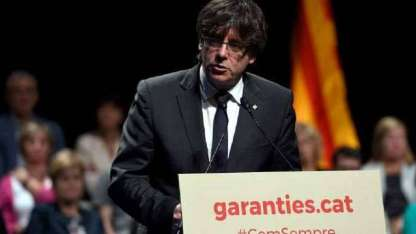 Carles Puigdemont no respondió a la consulta de Rajoy.