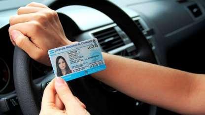 El carnet de conducir con valores diferentes en la provincia