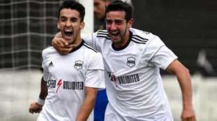 Festeja Sánchez el gol de rebote que le dio el triunfo.