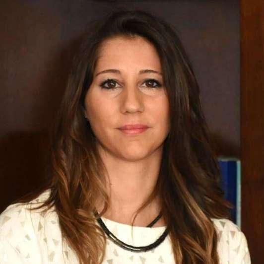 """Elena Alonso: """"Hay instrumentos tan  seguros y más rentables que tener un plazo fijo"""""""
