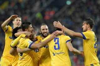 La Juventus goleó y acecha a los de arriba.