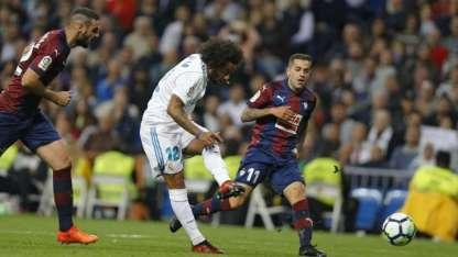 Marcelo anotó el tercer gol del Real Madrid, que sigue tercero.
