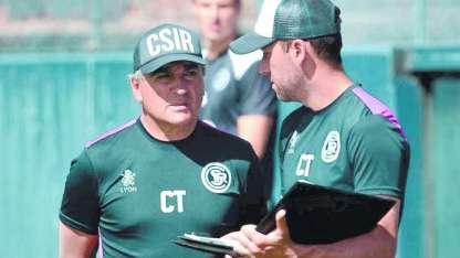 Romero sólo presentaría dos variantes con respecto al equipo que perdió en Entre Ríos.