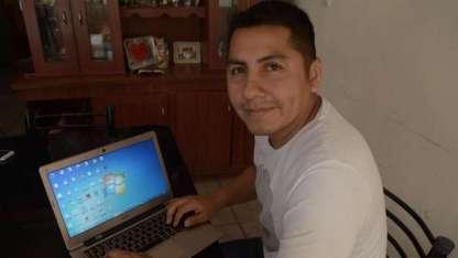 Miguel estudió Ingeniería en Sistemas en la UTN y Redes y Comunicaciones, eso le permitió instalar el servicio.