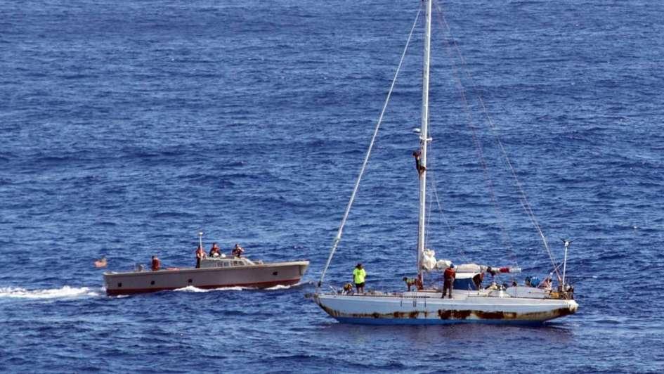 [VIDEO] Rescatan a dos mujeres que estuvieron 5 meses en el Pacífico