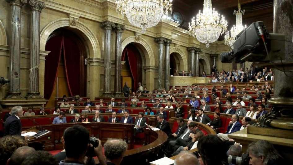 Rajoy disuelve el Parlamento catalán