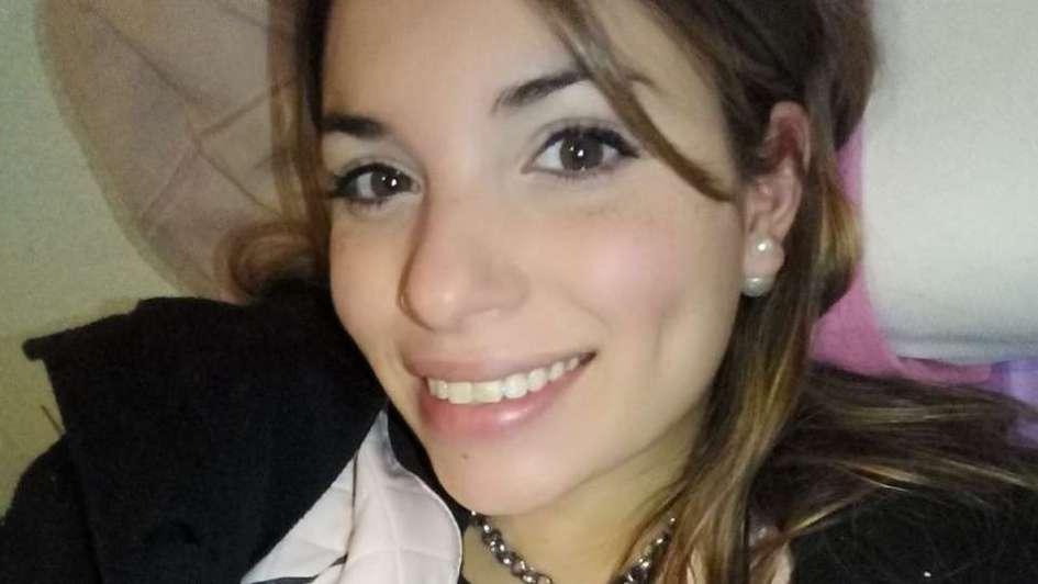 Un auto chocó contra un árbol en Junín y una chica murió