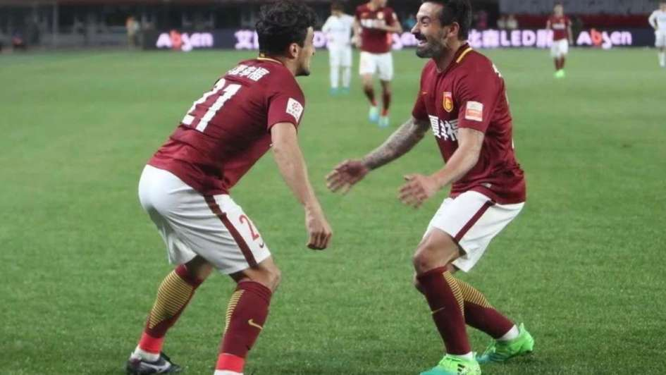 Superliga china:con la brillante actuación de Lavezzi, el Hebei goleó al campeón Guangzhou