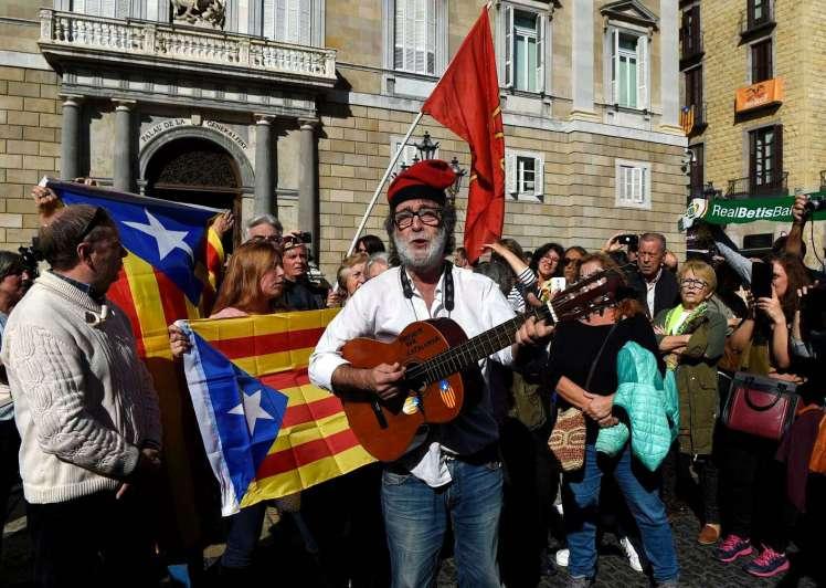 AVANCE: España solicita orden de detención contra ex líderes catalanes