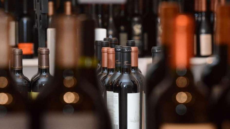 Dujovne cuestionó que el vino no tenga impuesto — Sigue la polémica