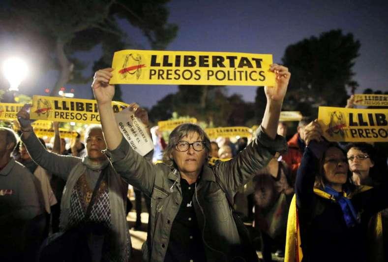 España solicita orden de detención contra ex líderes catalanes — AVANCE