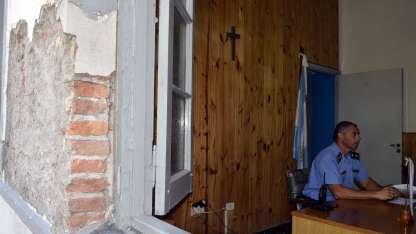 La antigua construcción corre riesgo de derrumbe.