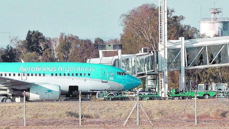 Anuncian nuevas conexiones aéreas para Mendoza