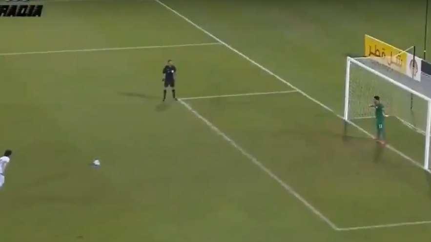 Un jugador de campo gana una tanda de penales como arquero — Insólito