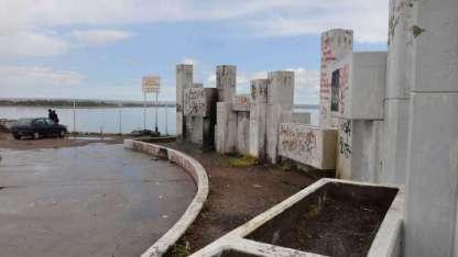 El camino del perilago de El Carrizal es siempre un atractivo para recorrer pero no tiene cartelería ni mantenimiento.