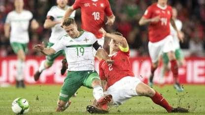 El partido fue trabado, pero los irlandeses casi lo ganan en el final.