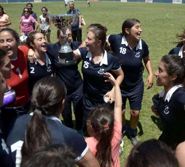 Las Pumas, fenómeno del fútbol femenino