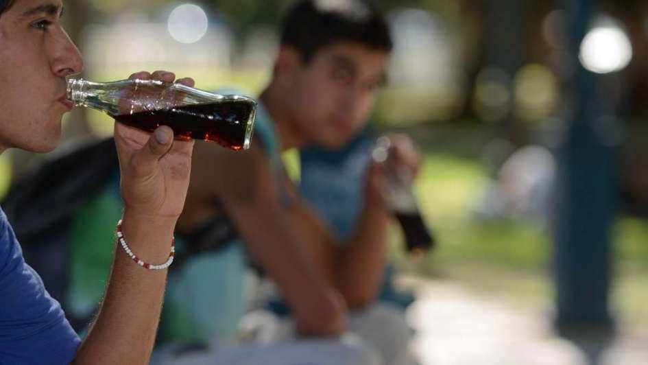 Advierten que la suba del impuesto a las bebidas azucaradas puede causar 5 mil despidos