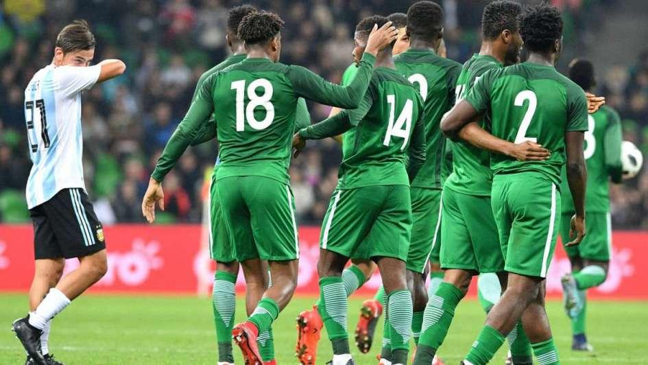 De la ilusión al espanto: Argentina fue goleada por Nigeria en el último amistoso del año