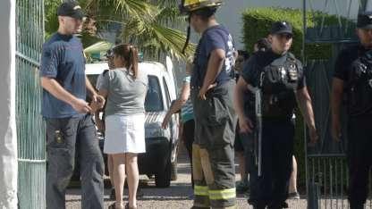 El geriátrico se llenó de policías, médicos y bomberos tras el derrumbe.