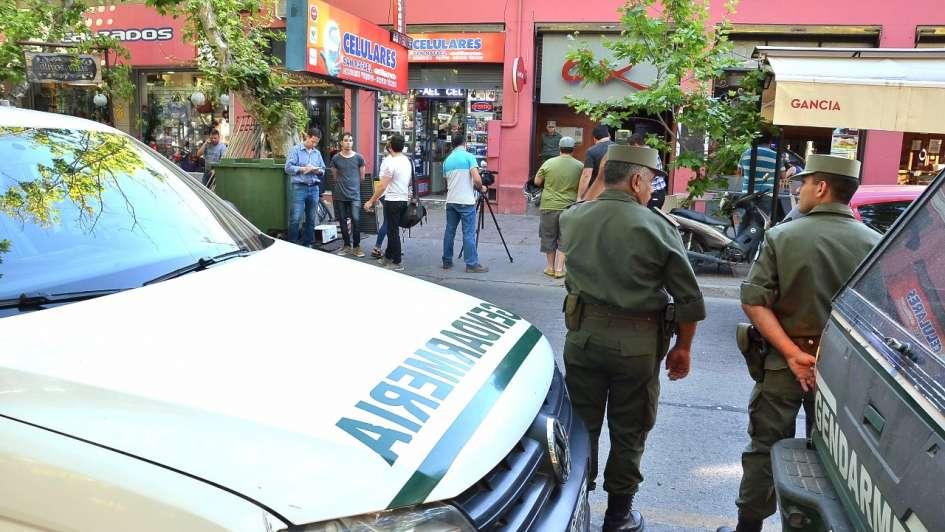 Allanaron un boliche en San Rafael en busca de pruebas contra el peluquero Carbajal