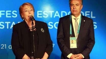 El gobernador Cornejo y la presidenta Michelle Bachelet, durante la reciente cumbre del Mercosur que se realizó en Mendoza.
