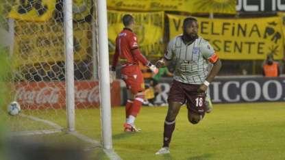 García convirtió su cuarto tanto en la Superliga.