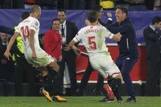 Los jugadores le dedicaron el empate al entrenador.