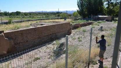 La comuna reclama el cierre perimetral y el riego.