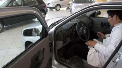 El patentamiento de autos está entre los ocho indicadores.