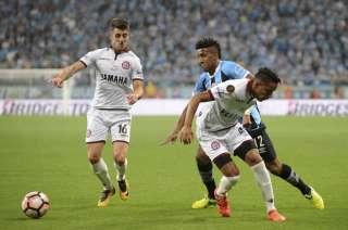 En un partido picante, Lanús no pudo aguantar el empate.