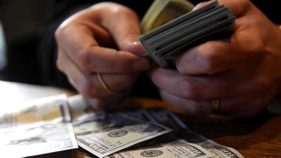 Emiten bonos del Tesoro en dólares por U$S 9.000 millones