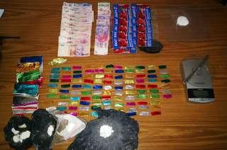 Se secuestró drogas y dinero en efectivo.