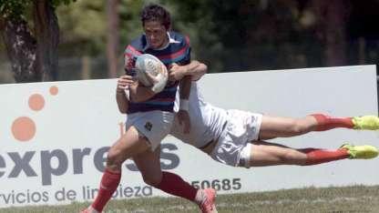 Tomás Videla llega a la primera conquista con un rival colgado.