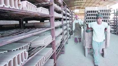 El galpón donde funcionaba la planta que ocupa 1,2 hectáreas en Bermejo.