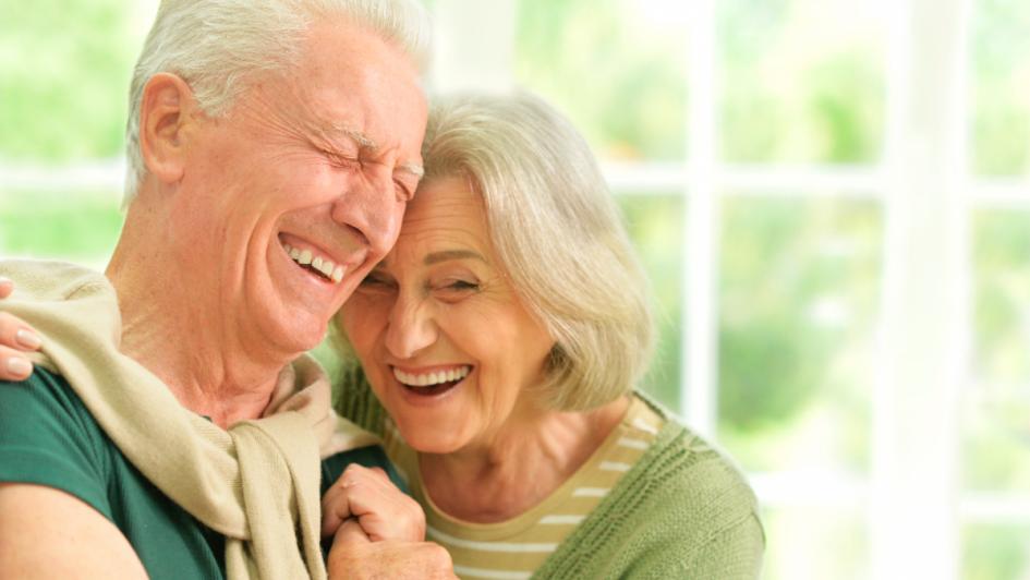 ¿Cómo cuidar la salud bucal en adultos mayores?
